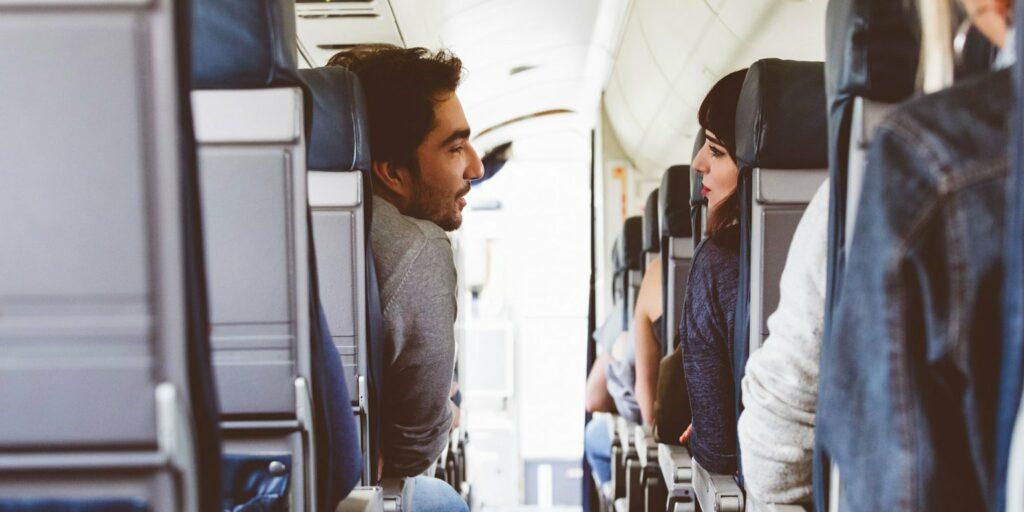 Retrouver une personne croisée dans avion Crushfindr