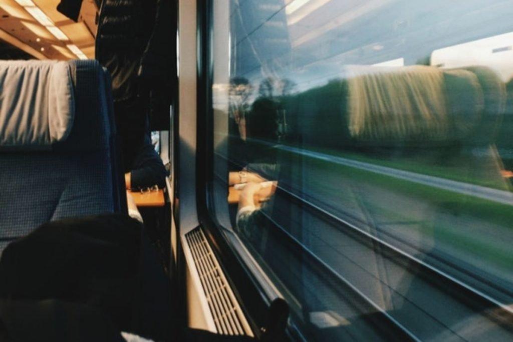 Retrouver une personne croisée dans le train